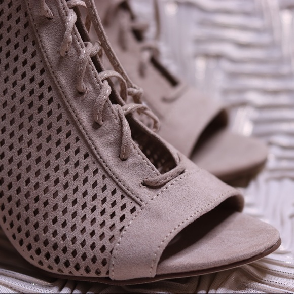 official shop picked up cheapest Steve Madden Madden Girl Blaire Nude Booties